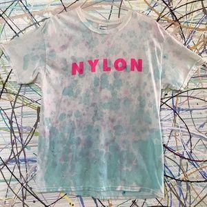 Nylon (magasine) hot Pink text pastel drip dye tee